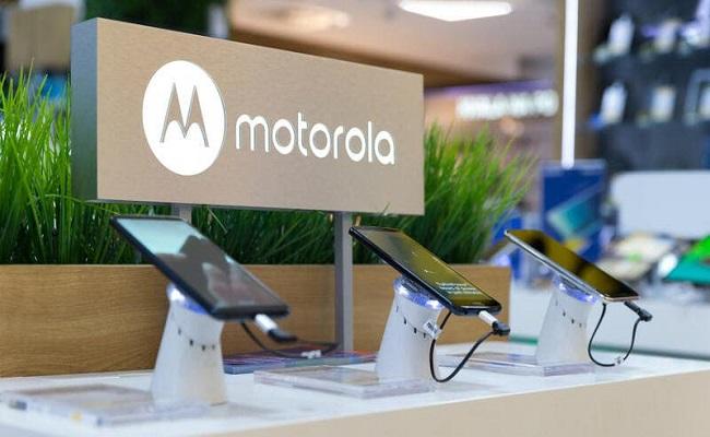 موتورولا ستطرح 3 هواتف جديدة...