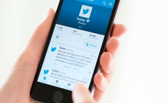 تويتر تطلق ميزة الإبلاغ عن الرسائل المضللة...
