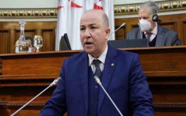 الوزير الأول يؤكد أن الحكومة تعمل على إعادة النظر في شبكة الأجور