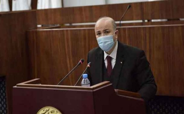 شروع  الوزير الأول في الرد على انشغالات النواب حول مخطط عمل الحكومة