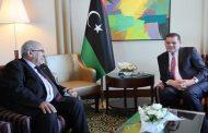 محادثات بين لعمامرة و كبار المسؤولين الليبيين