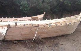 مداهمة ورشة سرية لصناعة قوارب الموت و توقيف 3 أشخاص بالطارف