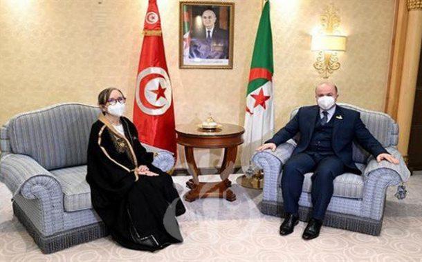 الوزير الأول يجري محادثات مع نظيرته التونسية بالرياض